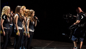 Leaked-photo-from-Pitch-Perfect-2(4)